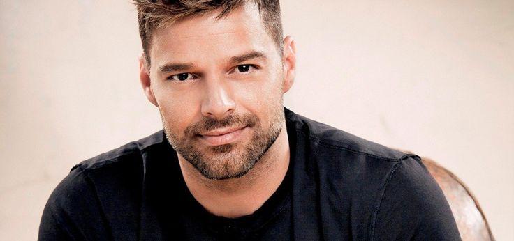 Ricky Martin insta a la comunidad LGBT a apoyar a Hillary Clinton