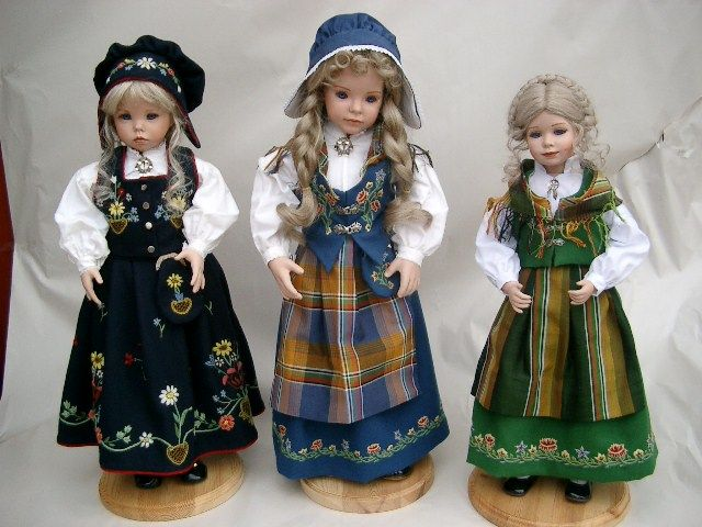 Dollmaker Brit- Lofoten and Nordlands bunad