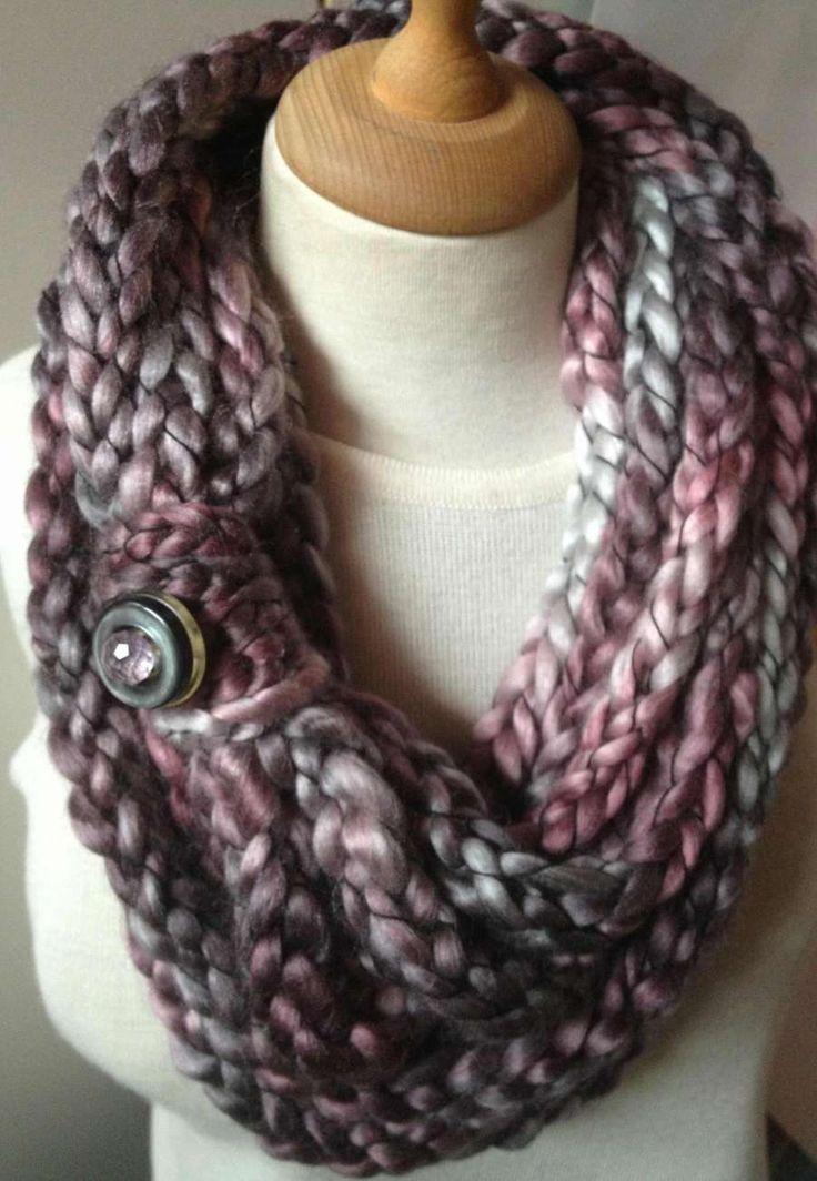 Grigio rosa – scaldacollo   giagina Finger knitting, wool, infinite scarf, warm necklace