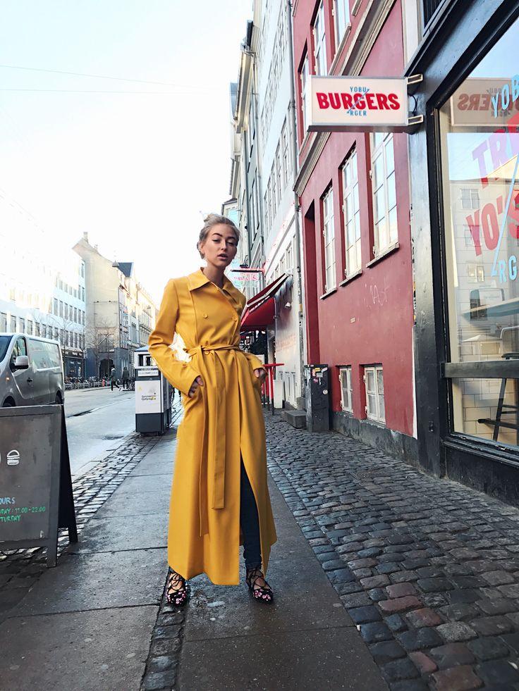 Yellow jacket – Emili Sindlev