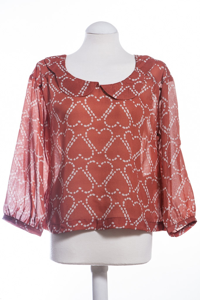 We love the heart print on this pretty top from Numph. This is the Nete blouse from Numph from our online boutique £45