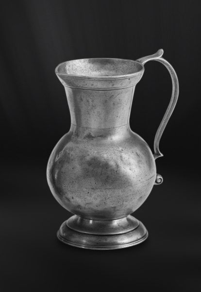 Pewter Pitcher - Height: 20 cm (7,9″) - Food Safe Product - #jug #pitcher #pewter #brocca #caraffa #peltro #krug #zinn #zinnkrug #étain #etain #pichet #peltre #tinn #олово #оловянный #tableware #dinnerware #drinkware #table #accessories #decor #design #bottega #peltro #GT #italian #handmade #made #italy #artisans #craftsmanship #craftsman #primitive #vintage #antique
