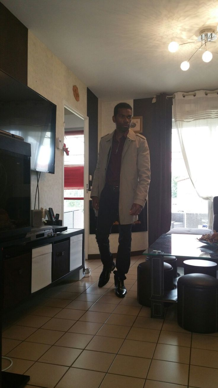 #MenSFashion #Model #MannequinChallenge #Black #Class #Mode #Trench #Coat #Camel #Parka #Shoes #Style #Noir #Pantalon #Cuir #Cotton #Chemise #Rouge #Red #Shirt #Belt #Magazine #Photography #Jules #Kiabi #H&M #Church #SundayVibes
