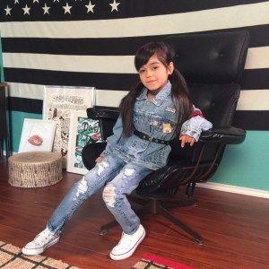 Giana, Anak 7 Tahun Ini Sudah Punya Label Fashion Sendiri! Baca beritanya disini yah