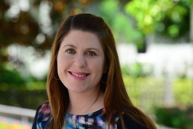Previvor Amy Byer Shainman aka @BRCAresponder. Jupiter Courier October 2014 #BRCA, family history, & Angelina Jolie.