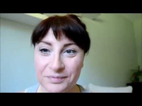 die Zeit der künstlichen Wimpern hat ein Ende...hier kommt die 3D Maskara von Younique. Sie zauert lange und volle Wimpern. Je öfter Ihr die Vorgänge wiederholt, desto länger und voller werden sie...seht selbst....