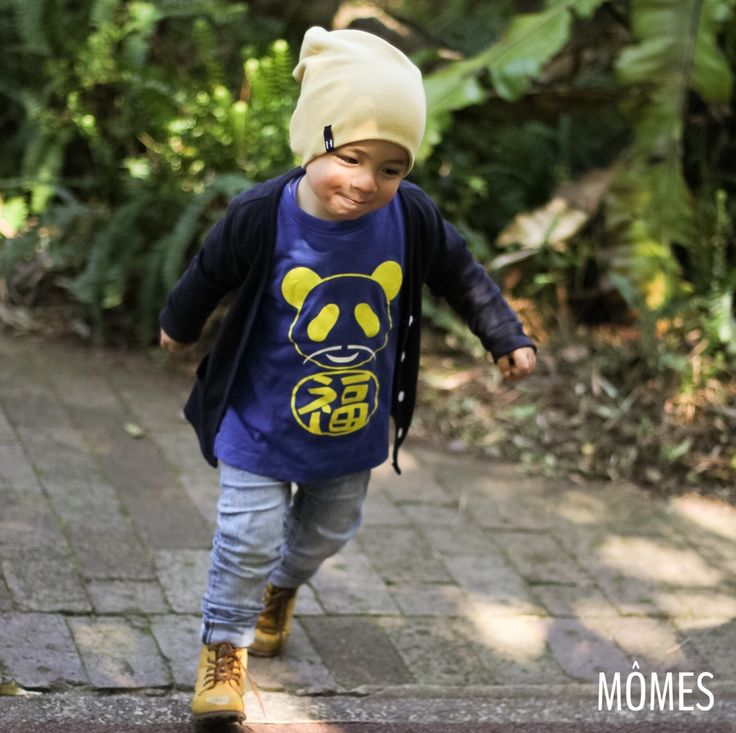 """Cutie pie petit Cooper @cooper_hapa is on a mission! Love his little smirk!! So adorable in our """"Lucky Panda"""" #MÔMES tee! 