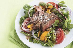Salade de bifteck grillé à la vinaigrette balsamique