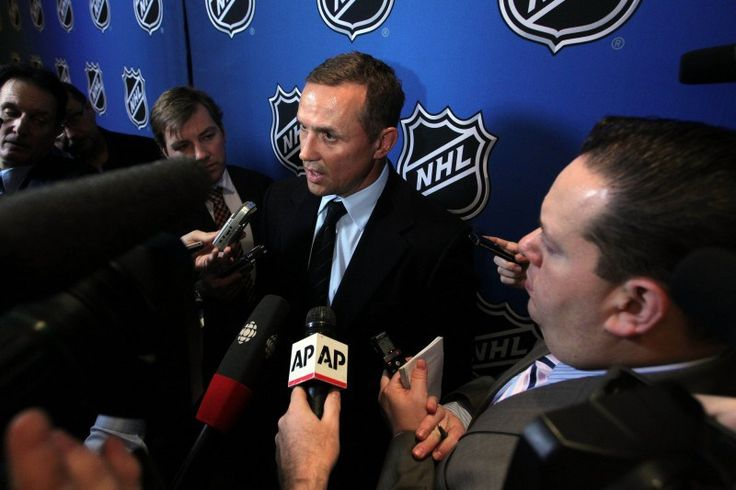 NHL General Manager of the Year Award Is Meaningless - http://thehockeywriters.com/nhl-general-manager-of-the-year-award-is-meaningless/