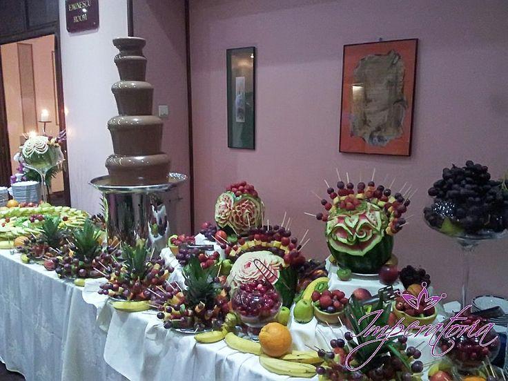 Fantana de ciocolata si masa de fructe Astoria
