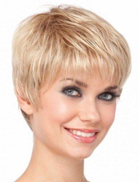best 25 cheveux court femme ideas on pinterest cheveux. Black Bedroom Furniture Sets. Home Design Ideas