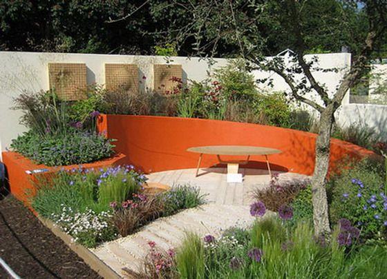 jardines-sencillos-16996.jpg (560×405): Front Gardens, Gardens Seats, Chelsea Flower Show, Flower Gardens, Outdoor Gardens, Gardens Zen, Gardens Design, Orange Wall, Japan Gardens
