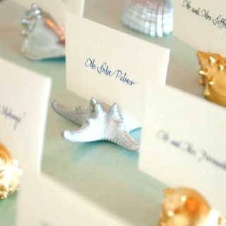 Such a cute idea for beach wedding table settings