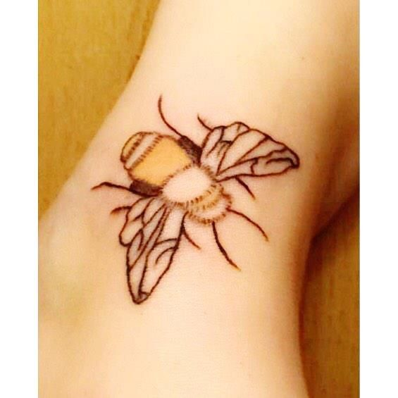 Pretty !!!    @tysia_007    Like&Comment  cooperation & booking :   Did my other foot today  didn't finish though my back was too sore  #new #tattoo #tattooedgirls #bee #notfinished #tattoo #obsession #more #to #add  #still #learning #not #bad #polishgirl #ireland