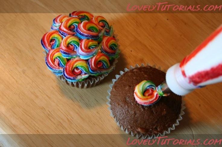 как выдавить крем разных цветов -colorful swirled cupcakes - Мастер-классы по украшению тортов Cake Decorating Tutorials (How To's) Tortas Paso a Paso