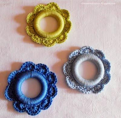 anelli di legno e filo di cotone