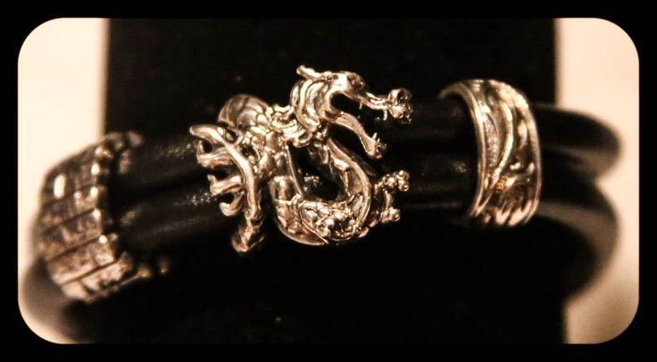Rebeligion Single black bracelet with dragon