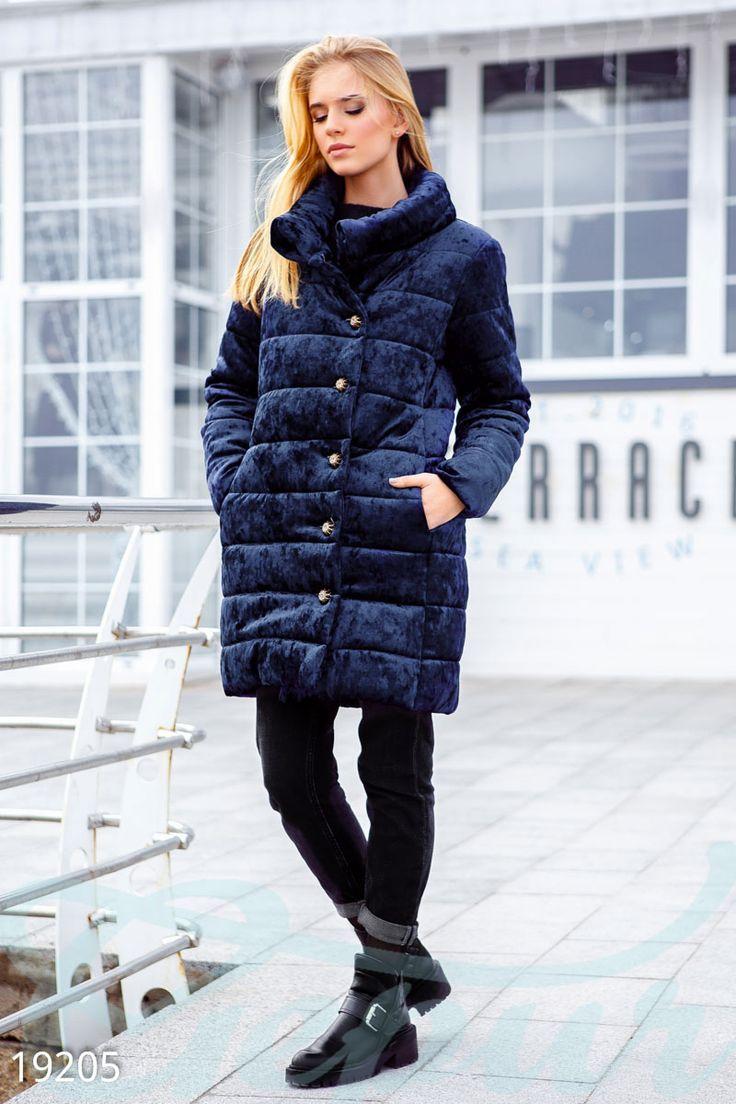 Демисезонная бархатная куртка