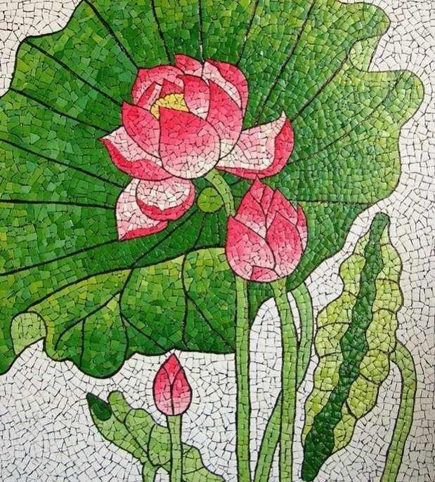 reutilizar decoración de la flor del arte del mosaico de la cáscara de huevo de Pascua después de la pintura
