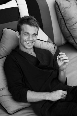 Cam Gigandet, one of the reasons why burlesque is my favvorite movie!!