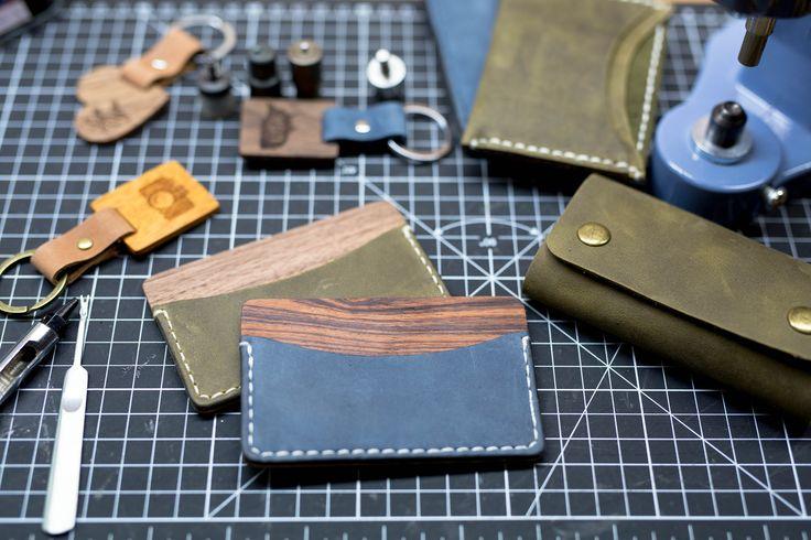 Awesome combination of wood and leather. Slim wallet card holder. Rosewood and walnut hard wood. Long time handmade. New Collection almost ready. // Мы закончили коллекцию уникальных аксессуаров из кожи и дерева.  // #leatherwood #кожаидерево #деревоикожа  #twinsleather #miniwallet #leatherwallet #leather  #groom #groomsmengift #wallet  #leathercraft #wedding #weddinginspiration  #handmade #handcrafted #leathermaker #leathergoods #vscocam