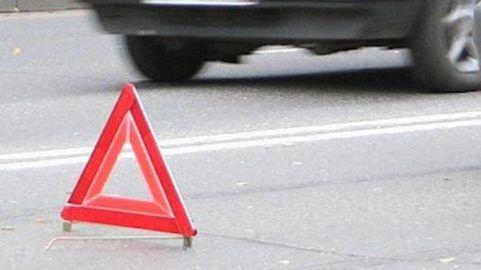 """«Мужчина-терминатор» выжил под колесами маршрутки http://ukrainianwall.com/incidents/muzhchina-terminator-vyzhil-pod-kolesami-marshrutki/  """"Мужчина-терминатор"""" выжил под колесами маршрутки [ Редактировать ] Украинца переехало авто, но он встал и пошел В сети появилось видео, на котором мужчину на дороге переезжает автомобиль, после чего он"""