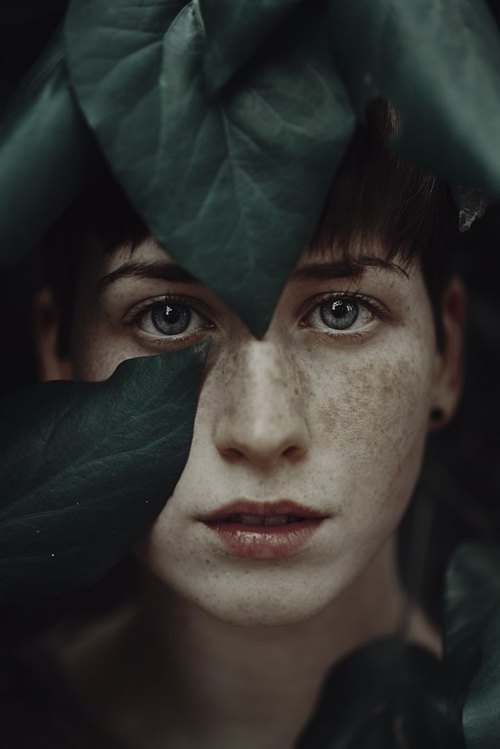 Dramatic Portraits of Ethereal Women Captured with Natural Light - My Modern Met