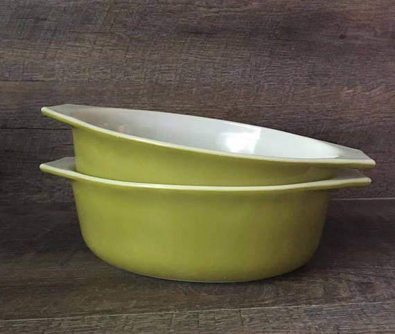 Vintage Pyrex Casserole Dishes. Set of 2. Verde Green. 043
