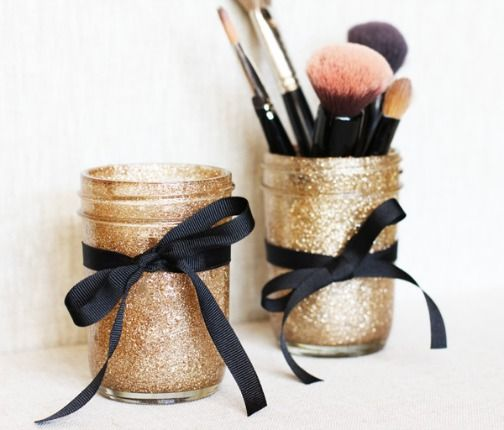 Use mason jars to #diy gifts on a budget. These jars are perfect for simple projects on a small budget, and the possibilities are truly endless. Click below for mason jar #diy project ideas! http://blog.dormify.com/diy/diy-college-budget-gifts-mason-jars