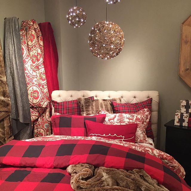 Christmas bedding decor
