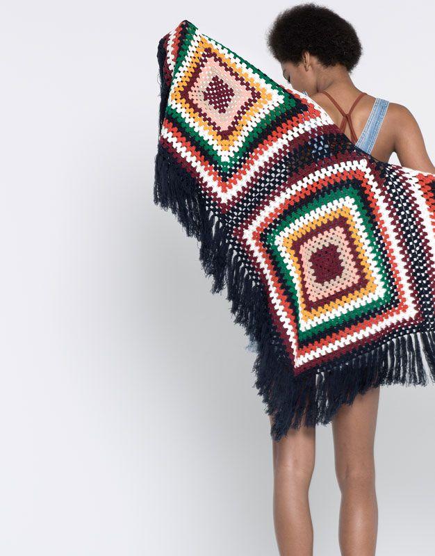Pull&Bear - mujer - kimonos y ponchos - toquilla flecos - marino - 05841320-V2016