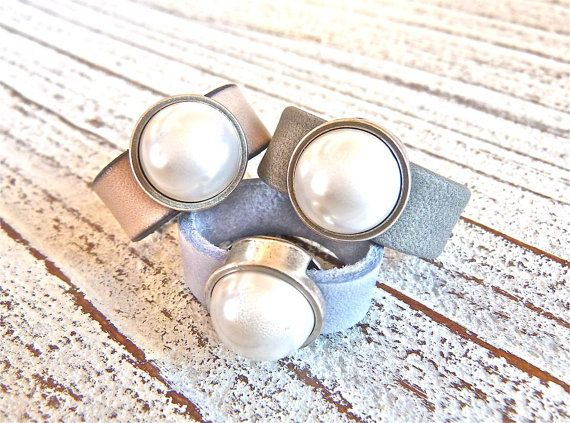 Leather ring with pearl #5, Ladies Ring,Ring Gray, Ring Beige, Ring Blue,Leatherring,Handmade Jewelry,Boho Chic, Women, Ring, Zamak Pearl