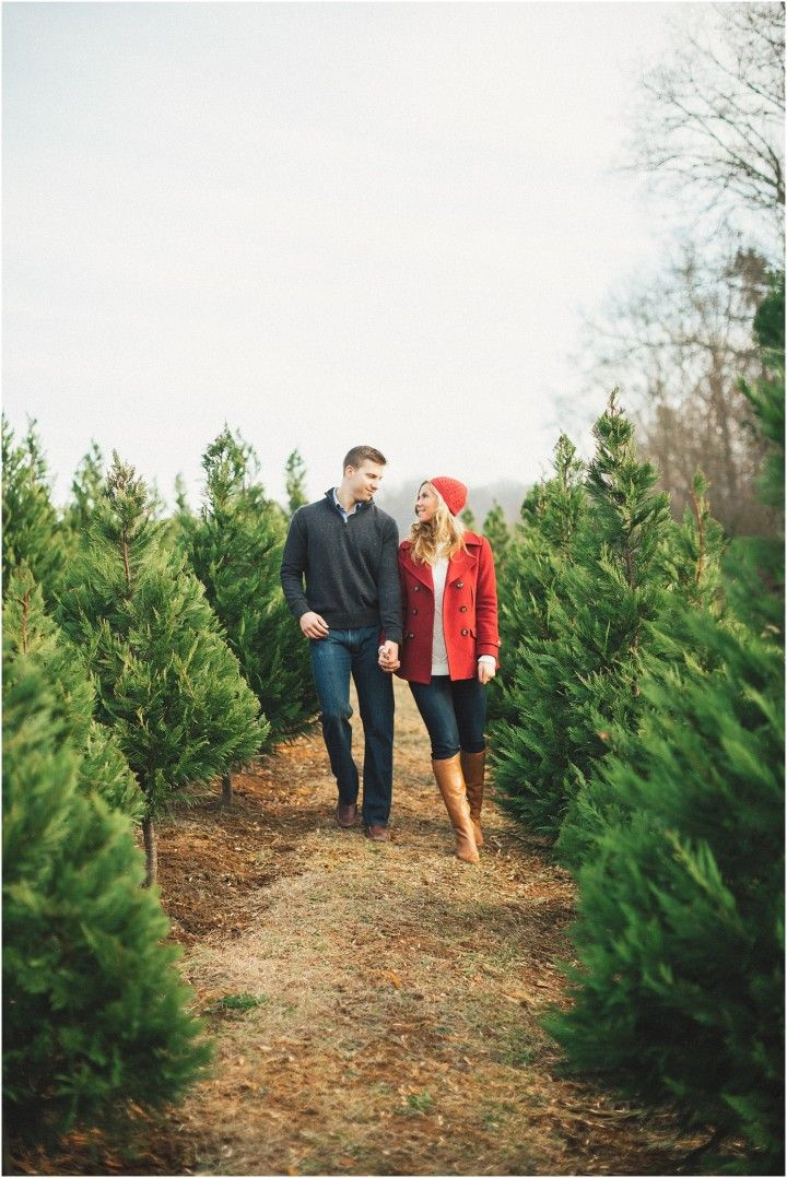 What to wear for a Christmas tree farm engagement shoot - click to view more!