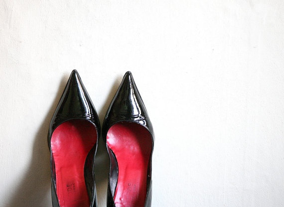 Sexy Pointy Black patent leather Heels size 8 by MagpiesShop, $18.00