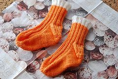 This is my goto toe-up sock pattern for keeping small feet warm. I knit them one or more pairs at a time on one 80cm circular needle (magic-loop). Size: 12-24 months (elastic and flexible fit) Need...