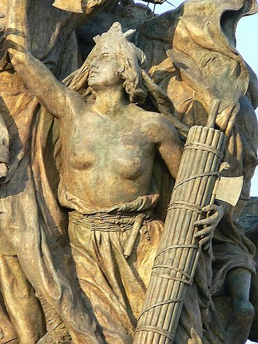 Personification of Rome with Roman fasces (rods and axes) that symbolized an ancient Roman consul's power of life and death at the Victorio Emmanuel II Monument in Rome      #TuscanyAgriturismoGiratola