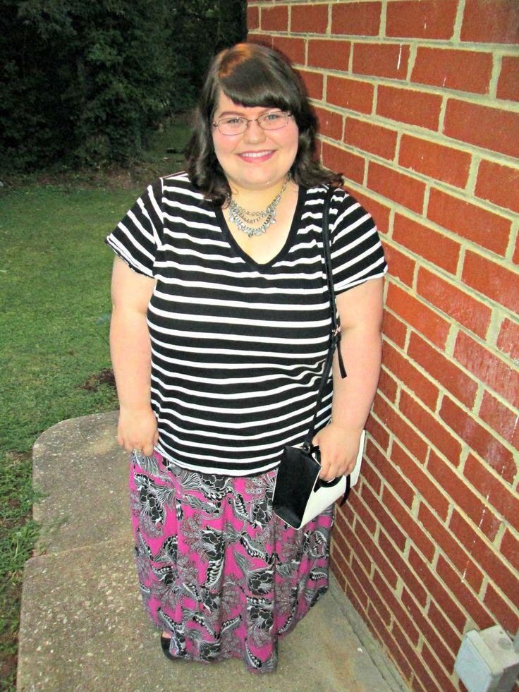 Unique Geek: Plus Size OOTD: Floral & Stripes #plussizeootd #plussizeoutfit #plussizefashion #plussize #stripes #floral #stripesandfloraloutfit