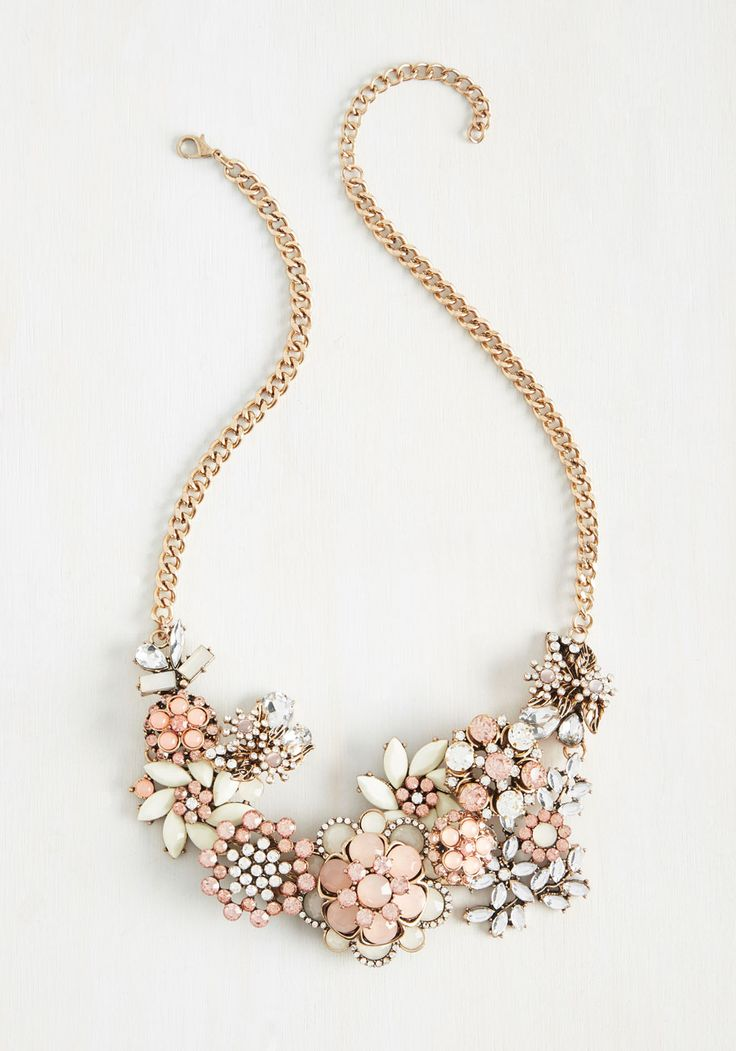 Vow to Wow Necklace in Carnation
