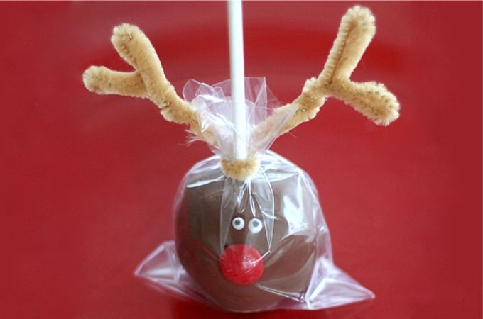 24 Christmas Finger Food Ideas » Random Tuesdays Reindeer cake or peanut butter ball