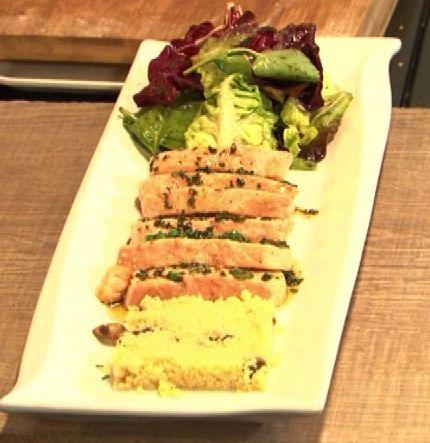 Chef TV - Receitas : Bocadinhos de salmão Chileno com Couscous perfumado ao curry verde servido sobre brotos de alface e vinagrete balsâmico