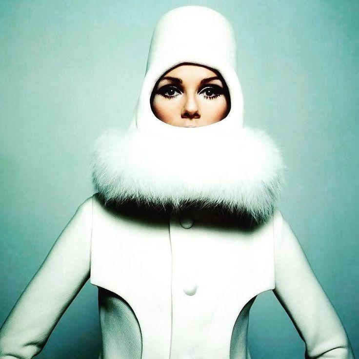 Pierre space age look #fashionhistory #pierrecardin #fashion #lovejob #fashiondesigner #contemporaryfashion #style #inspiration #artandfashion