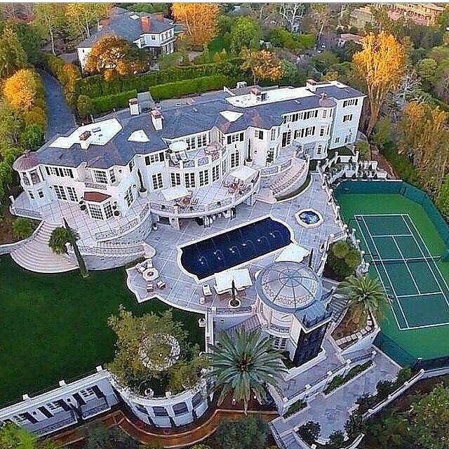 Looks like the White House!