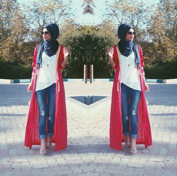 long red cardigan hijab- Modest street hijab fashion http://www.justtrendygirls.com/modest-street-hijab-fashion/