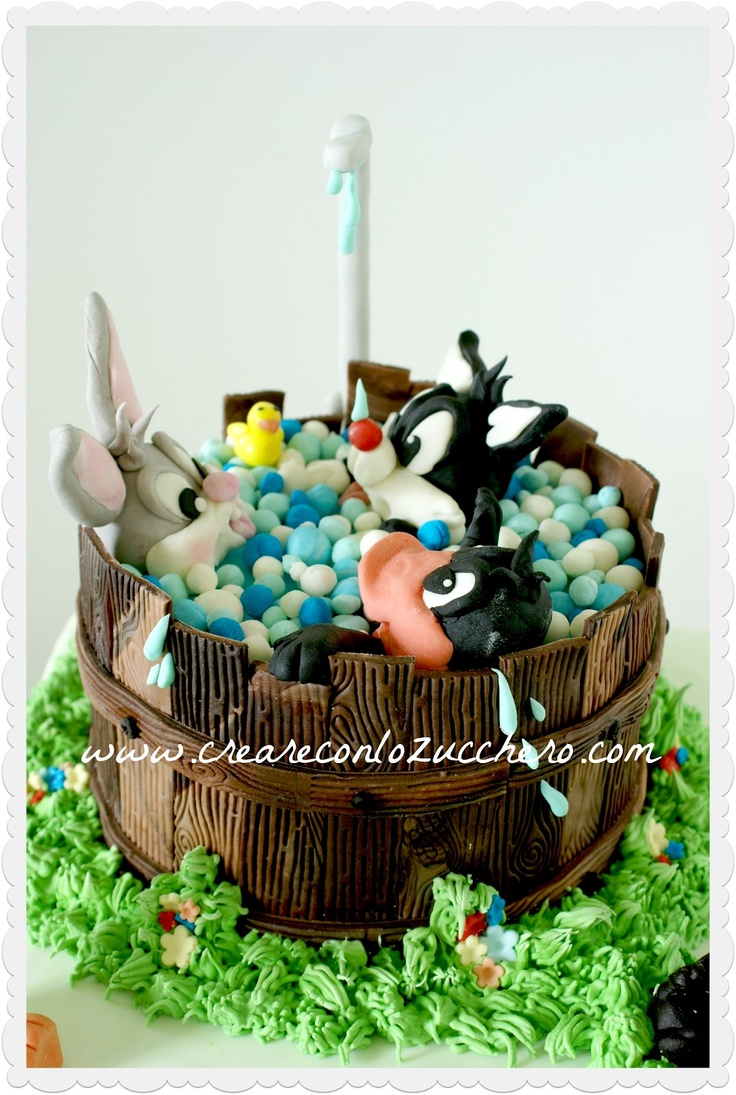Looney Tunes Cake Stand