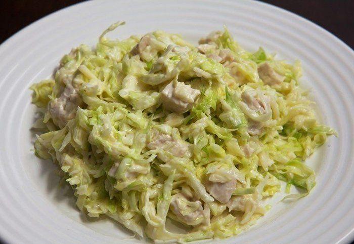 Салат зимний: Капуста, курица
