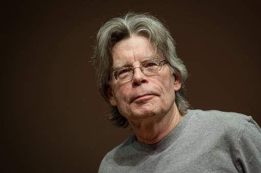 Stephen King is een grote fan van de schrijver  Herman Koch. Herman is ook een beroemde schrijver in ons land. 3 van zijn boeken zijn vertaald naar het Engels.