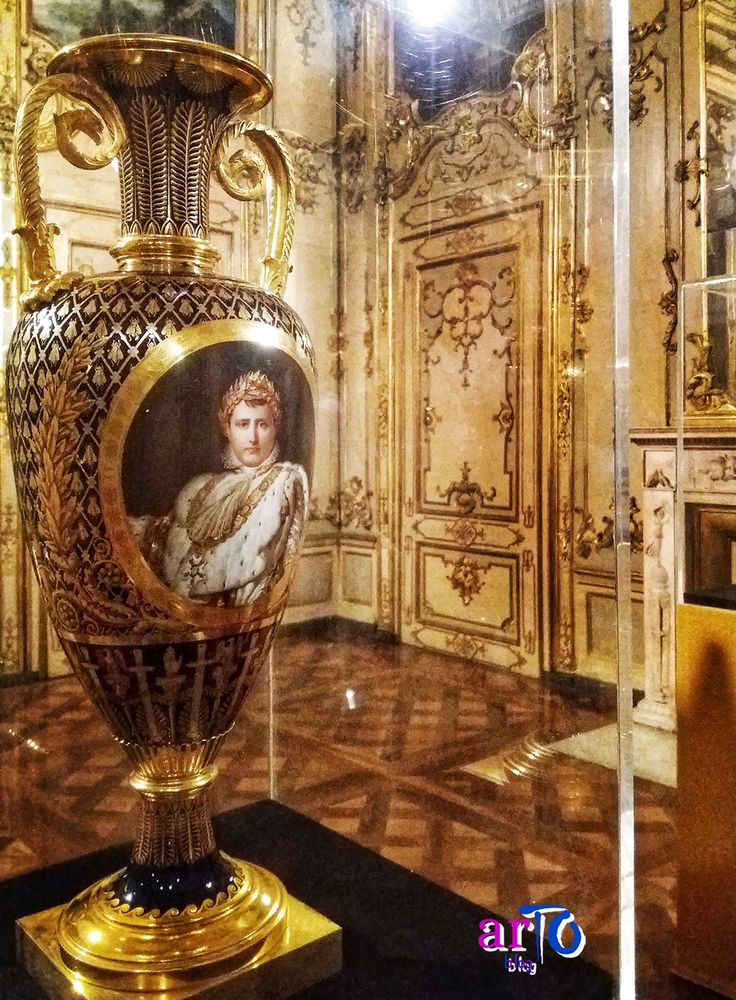 "Vaso in stile impero (exhibition ""J'arrive. Napoleone Bonaparte"" in Turin) #history #exhibition"