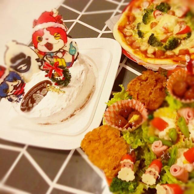 今日はクリスマスイブ~☆ 子供たちとケーキ、ピザ、サラダ、フライドチキンを作って楽しいクリスマスイブになりました(*^^*) 今日は通知表はしまっておこうネ~(^_^ゞ - 23件のもぐもぐ - 妖怪ウオッチ♪クリスマスケーキ☆ by shinshin1226
