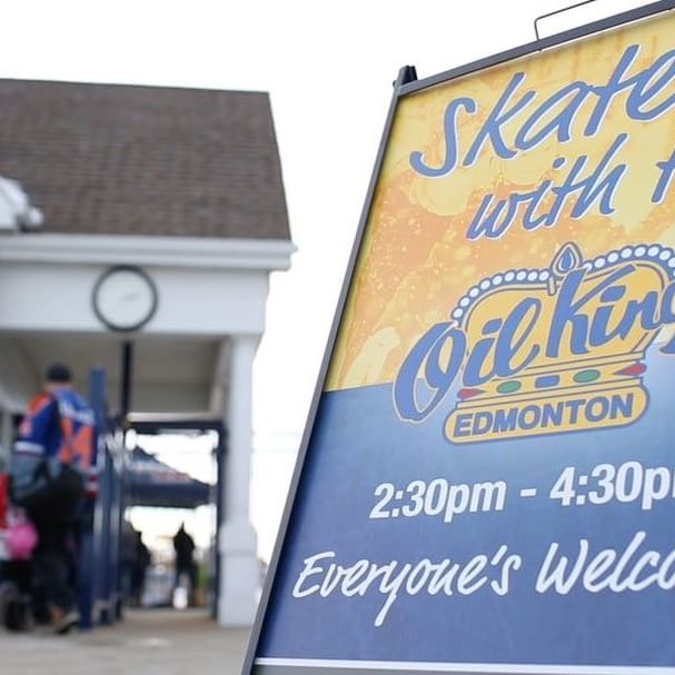 Come skate with us in #LakeSummerside on Sunday, January 15, 2017, for an afternoon of skating, hot chocolate and treats, and the @edmoilkings! The BEST part is... EVERYONE'S invited! Visit the link in our bio for more information.