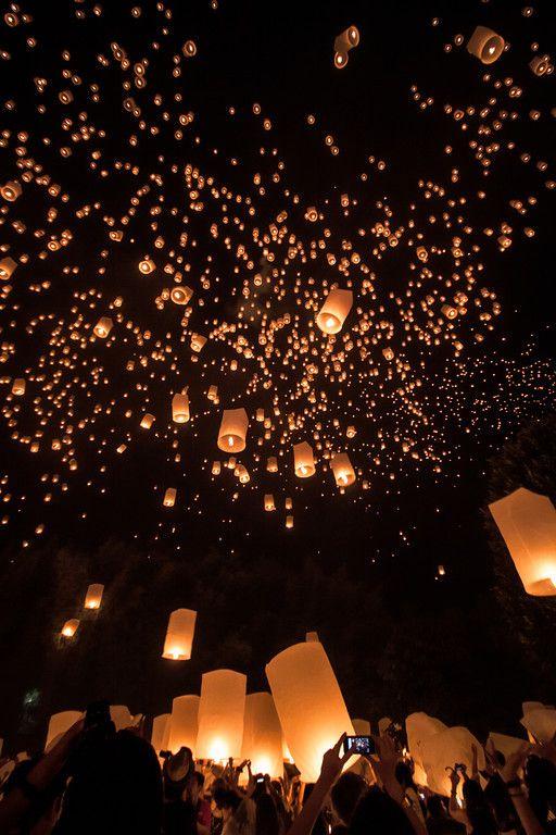 Yi Peng Festival in Chiang Mai, Thailand